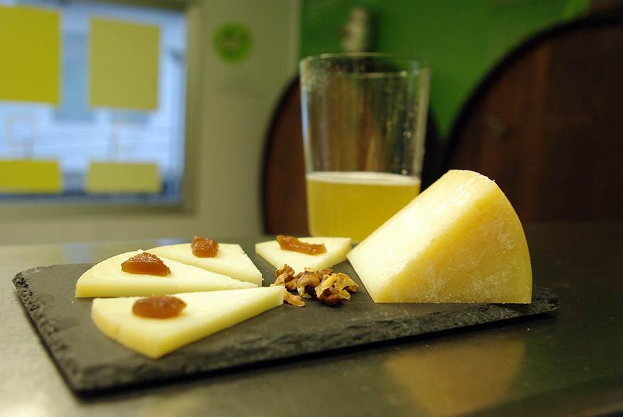 SEMANA SANTA 2019 en Sagardoetxea: degustación de sidra y quesos de Euskal Herria