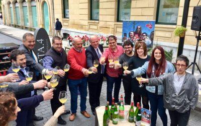 """Comienza la promoción """"Tiempo de terrazas, tiempo de Euskal Sagardoa"""" para fomentar el consumo de la sidra con D.O."""